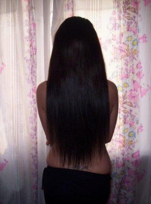 Фото на тему стрижка одним срезом, а бывает по всей длине волос.